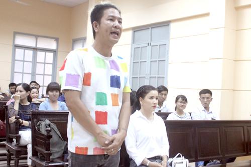 Đạo diễn Ngọc Hùng có mặt với tư cách nhân chứng cho nguyên đơn.