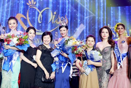 Ngôi vị Hoa hậuHữu nghị ASEAN 2017thuộc vềngười đẹp Thái Lan Nuttanan Naree. Cố vấn Xuân Hương đánh giá cao nhan sắc và các phần thi xuất sắc của tân hoa hậu năm nay.