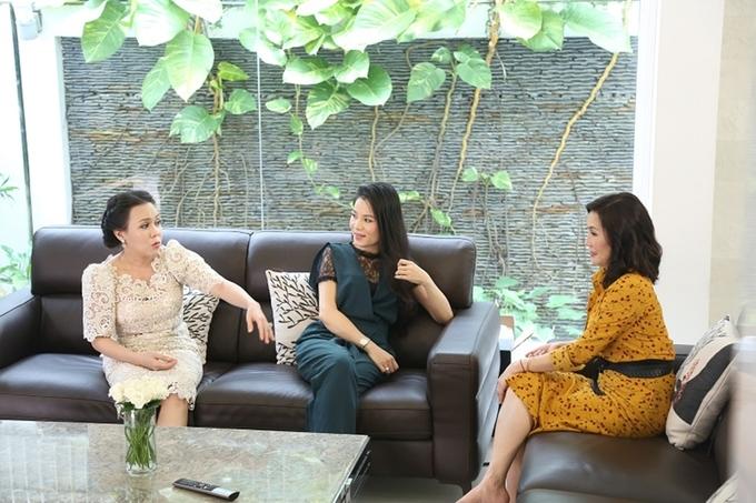 Việt Hương, Hồng Đào thăm biệt thự của Quyền Linh