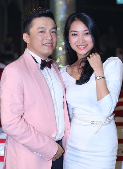 Lam Trường - Yến Phương công khai yêu nhau từ năm 2013, nhưng phải đến đầu năm 2014 họ mới thoải mái chia sẻ chuyện tình cảm với công chúng. Cuối năm 2014, đôi uyên ương đã có đám cưới ấm áp bên người thân, gia đình.