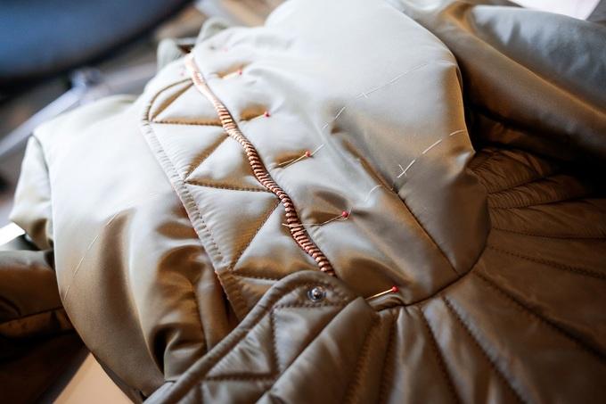 Hậu trường biến vải cũ thành đồ cao cấp của Viktor & Rolf