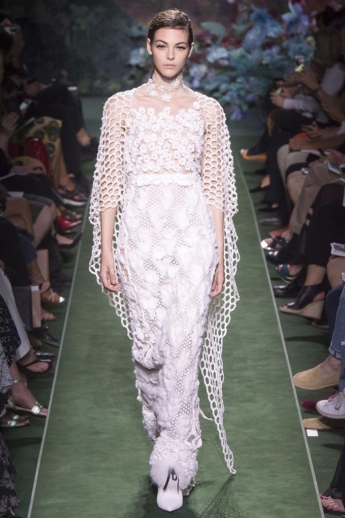 Những thiết kế tốn thời gian nhất Tuần thời trang Paris