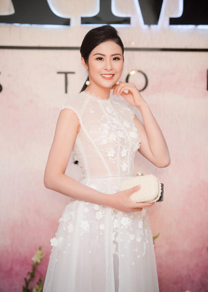 Dàn hoa hậu, á hậu Việt đọ sắc với đầm xuyên thấu