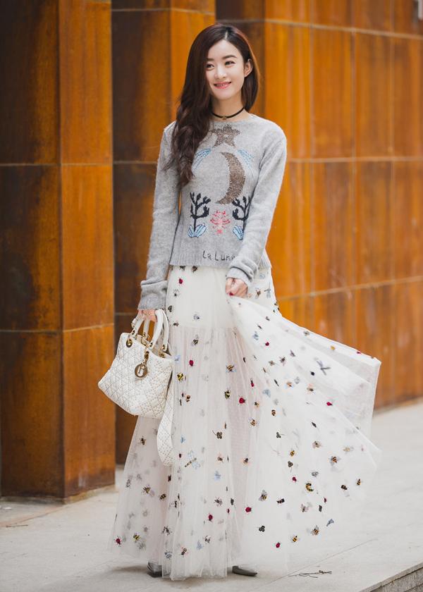 Váy áo thời thượng của 'Sở Kiều' Triệu Lệ Dĩnh