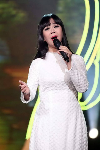 my-linh-anh-tuyet-hat-tri-an-anh-hung-liet-si-1