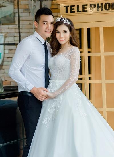 Người mẫu Quang Thịnh và vợ sắp cưới.