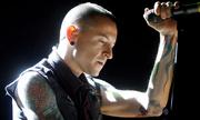 Linkin Park và sao thế giới sốc trước tin Chester Bennington tự tử