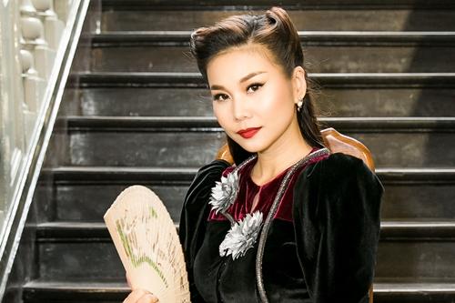 Thanh Hằng trong buổi ra mắt phim Mẹ chồng.