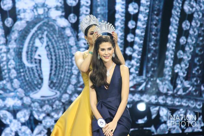 <p> Đêm chung kết diễn ra tại thủ đô Bangkok.Maria Poonlertlarp Ehrengiành ngôi vị cao nhất sau khi trải qua các phần thi trang phục dạ hội, áo tắm, ứng xử.</p>