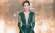 Hoa Hậu Hải Dương diện váy xẻ ngực táo bạo dự sự kiện