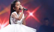 Cô bé phố núi gây xúc động khi hát về tình cha con