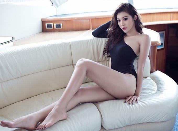 <p> Bùi Lý Thiên Hương đến từ An Giang, cao 1,74 m, cósố đo ba vòng: 86-62-93 cm.</p>