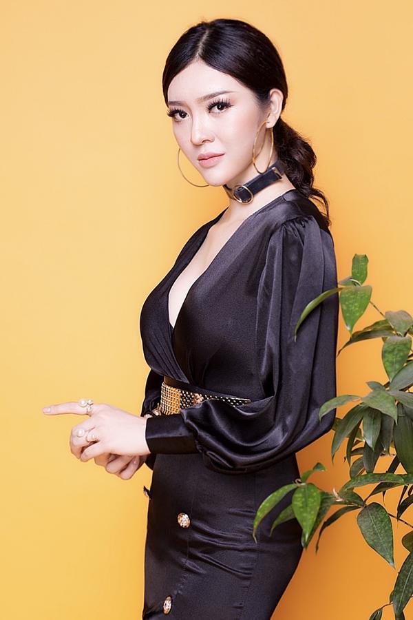 <p> Lần đầu tiên thi nhan sắc, Thiên Hương mong muốn đạt thành tích tốt để mang niềm tự hào cho tỉnh nhà.</p>