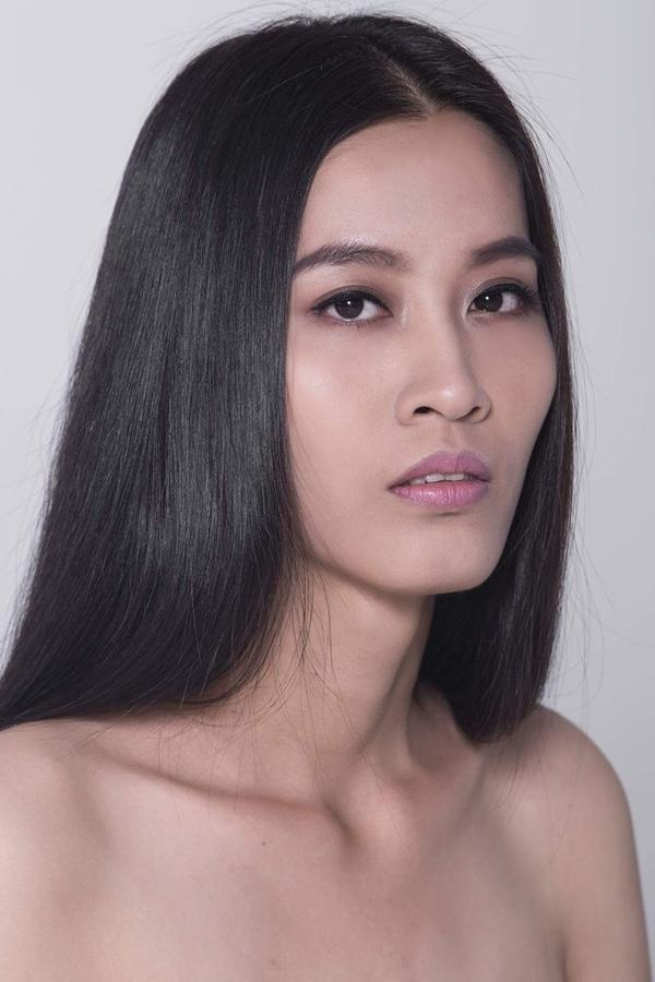 <p> Đến từ Tiền Giang, Phạm Võ Tú Quyên là một trong những thí sinh nổi bật về chiều cao và gương mặt góc cạnh.</p>