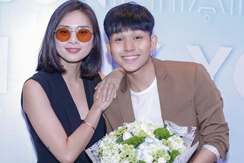 Ngô Thanh Vân (trái) và học trò Jun Phạm.