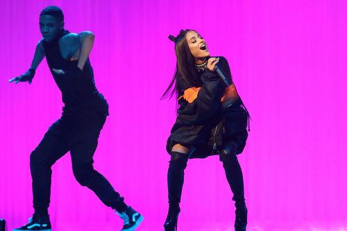 Ca sĩ Mỹ Ariana Grande.