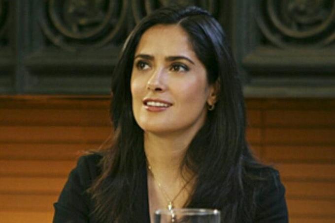 Nhan sắc 'bom sex' Salma Hayek trên màn ảnh