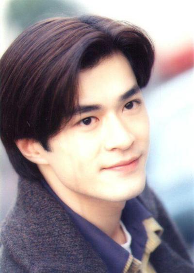 Cổ Thiên Lạc sinh năm 1970 ở Hong Kong. Ký hợp đồng với đài TVB năm 1993, tới năm 1995, anh nổi tiếng với vai Dương Quá trong phim Thần điêu đại hiệp