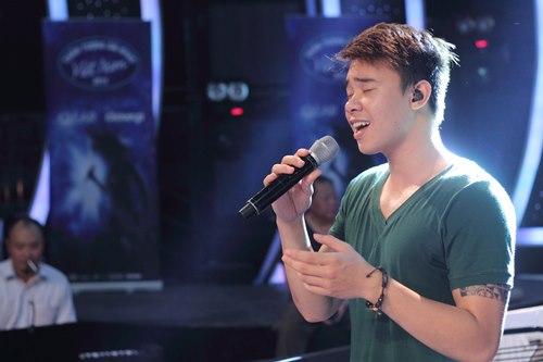 Đông Hùng thời điểm thi Vietnam Idol 2014.