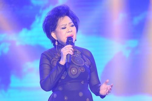 Danh ca Giao Linh vẫn miệt mài đi hát ở tuổi 67.