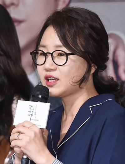 song-joong-ki-song-hye-kyo-bi-mat-chup-anh-cuoi-1