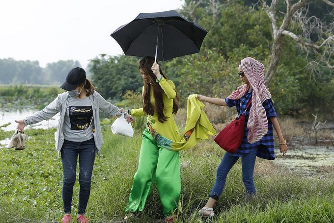 Á hậu Diễm Trang hóa thôn nữ miền Tây