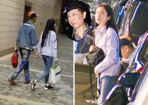Diệp Chấn Đường - tượng đài làng nhạc Hong Kong - gần đây gây chú ý khi hẹn hò một phụ nữ khoảng ngoài 30 tuổi. Theo Ifeng, ca sĩ 73 tuổi và người phụ nữ này quen nhau qua một buổi tiệc, hai người nhanh chóng phát triển tình cảm vì tâm đầu ý hợp. Cô thường từ Trung Quốc đại lục tới Hong Kong chăm sóc Diệp Chấn Đường. Ông từng thể hiện hàng loạt ca khúc chủ đề của các phim nổi tiếng đài ATV, TVB như Đại hiệp Hoắc Nguyên Giáp, Tô Khất Nhi, Tiếu ngạo giang hồ, Người đến từ Triều Châu, Thái Cực Trương Tam Phong... Ngoài ra Diệp Chấn Đường đóng các phim Hẹn ước mùa xuân, Thiên nhai ca nữ, Hậu sinh khả úy.