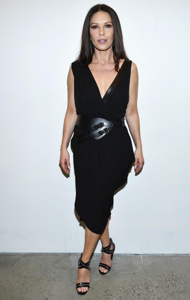 'Cô gái đẹp nhất thế giới' đi xem show Michael Kors