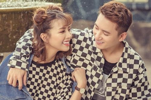 Phan Mạnh Quỳnh và bạn gái Huỳnh Khánh Vy.