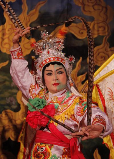 san-khau-tuong-vang-khach--1