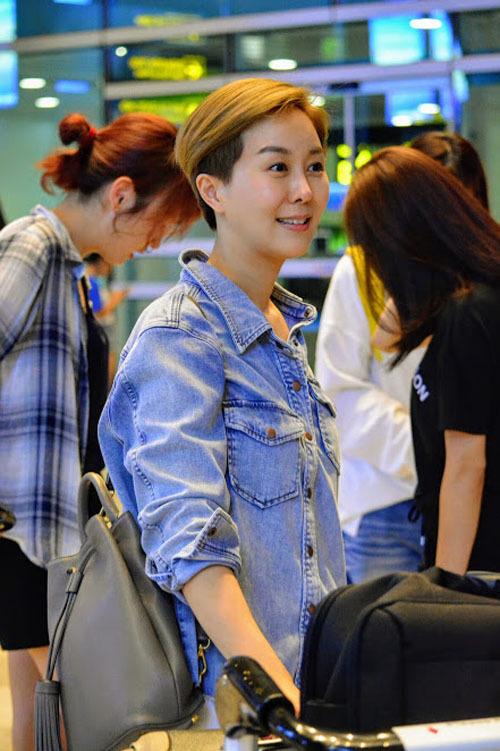 Kim Hee Sun đến Đà Nẵng nghỉ dưỡng