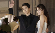 Song Hye Kyo, Song Joong Ki tay trong tay ở Pháp