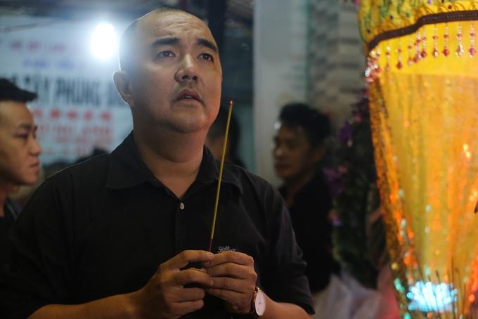 Phú Quý, Tấn Beo viếng tang nghệ sĩ Khánh Nam
