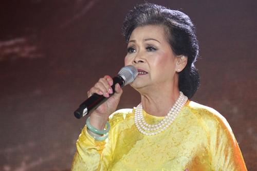 Khánh Ly trong đêm nhạc 55 hát tình ca. Ảnh: M.N.