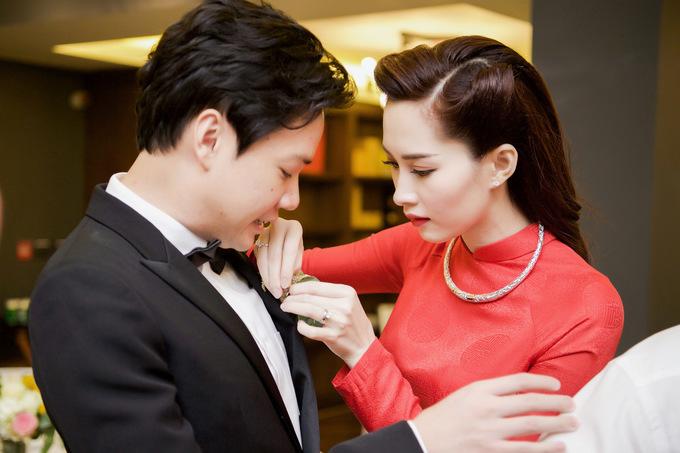 Hoa hậu Thu Thảo khóc khi nghe mẹ chồng dặn dò