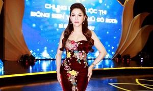 Cố vấn sắc đẹp Bông sen Vàng thủ đô rạng rỡ trong đêm chung kết