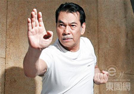 sao-vo-thuat-hong-kong-ket-hon-lan-bon-o-tuoi-72