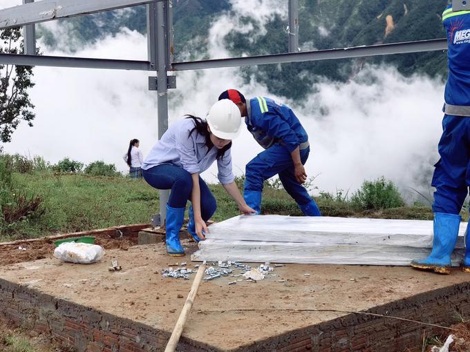 Hoa hậu Mỹ Linh tiếp tục dự án nhân ái sau lũ lụt ở Yên Bái