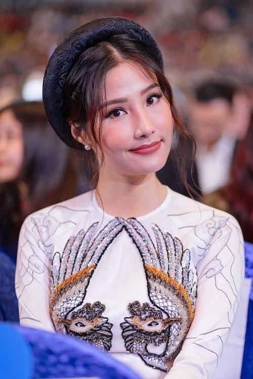 Ngô Thanh Vân, Lan Ngọc diện áo dài ở Liên hoan phim Busan