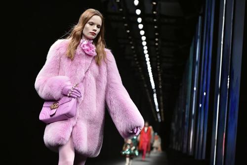 Một thiết kế lông thú của Gucci.
