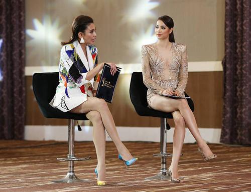 Phạm Hương và Võ Hoàng Yến trong Tôi là Hoa hậu Hoàn vũ Việt Nam 2017.