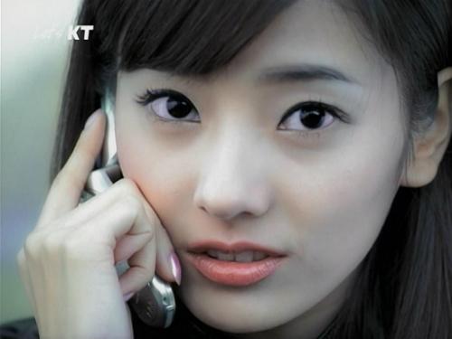 nhan-sac-tuoi-doi-muoi-cua-bup-be-xu-han-han-chae-young