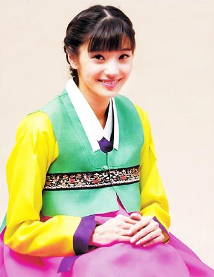 nhan-sac-tuoi-doi-muoi-cua-bup-be-xu-han-han-chae-young-5