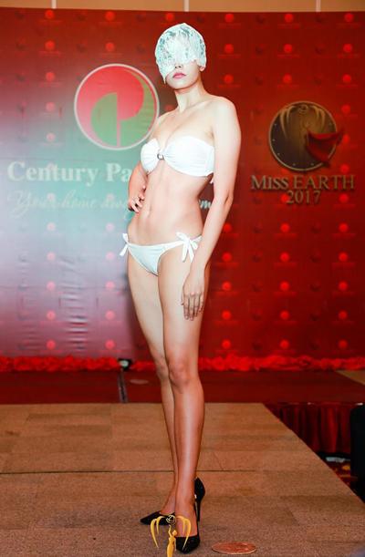 Hoa hậu Thái Lan, Paweensuda Drouin, sinh ra ở Canada và cao 1,81 m.