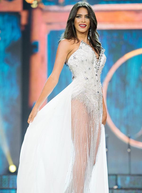 <p> Hoa hậu Venezuela - Tulia Aleman Ferrer - năm nay 24 tuổi, có số đo ba vòng 89-58-89 cm. Tulia Aleman Ferrer luôn có những góc chụp ảnh độc đáo và thể hiện sự tự tin, bản lĩnh trên sân khấu.</p>