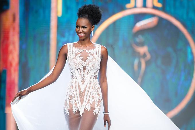 <p> Hoa hậu Nam Sudan - Eyga Mojus - cao 1,75 m, số đo ba vòng là 86-66-93 cm.</p>