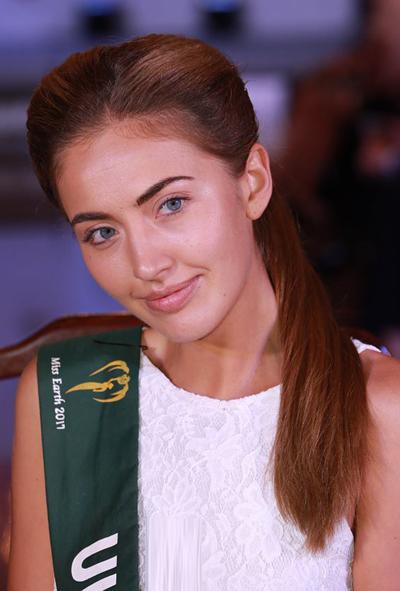 Mặt mộc tươi tắn của Hoa hậu Trái đất Ukraine.