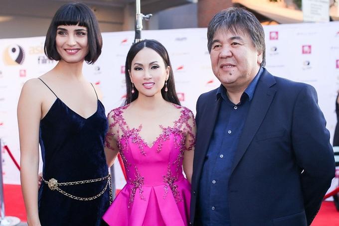 Hà Phương dự thảm đỏ liên hoan phim ở Mỹ