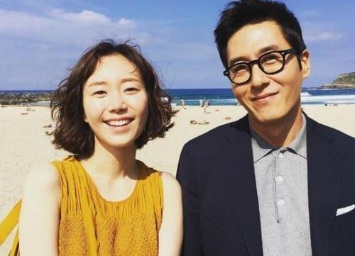 Kim Joo Hyuk và bạn gái Lee Yoo Young.