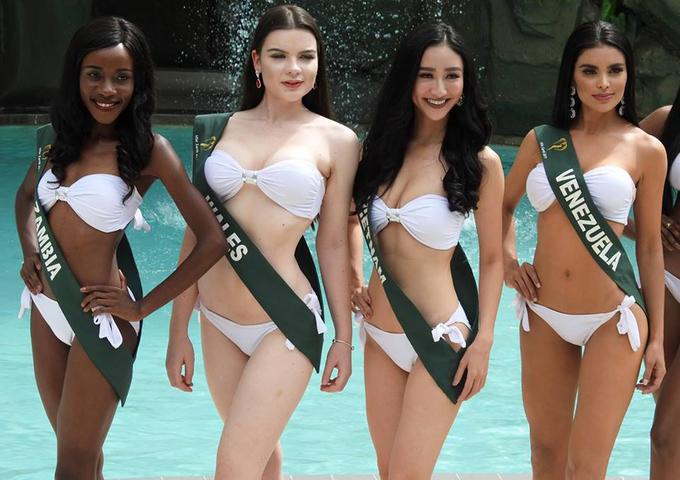 Hà Thu và dàn người đẹp Miss Earth mặc bikini ra mắt báo giới